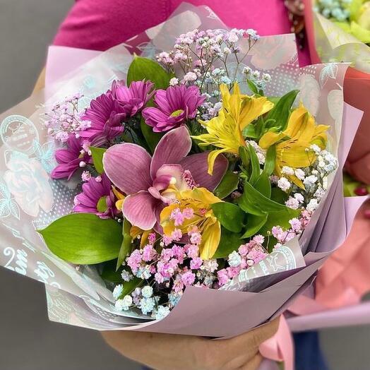 Composite bouquet of persistent flowers