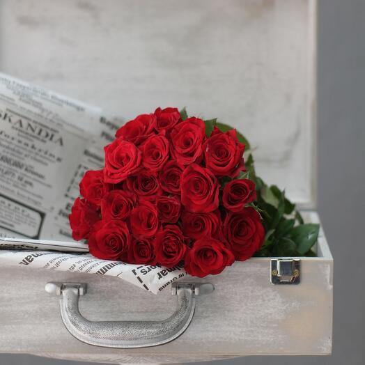 21 красная роза 25 см