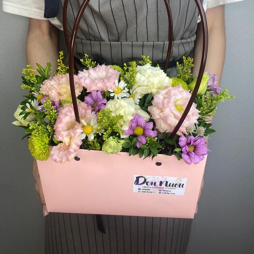 Розовая сумка с цветами