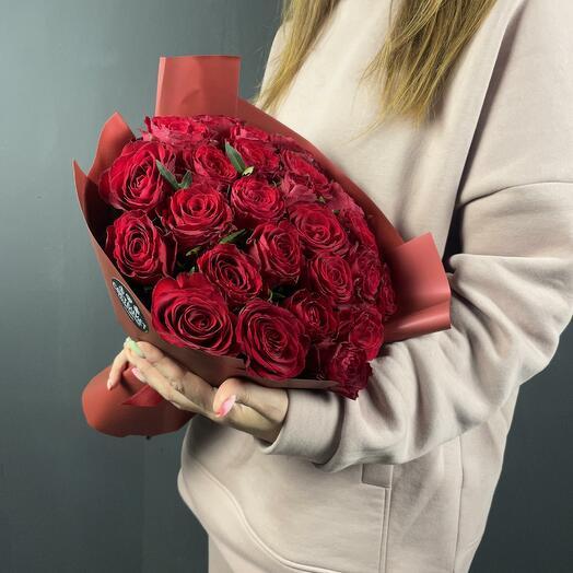 Букет Мальбек 25 из красных роз 40 см