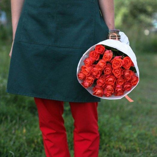 19 роз в цветном крафте: букеты цветов на заказ Flowwow