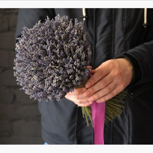 Тройной объём ароматной лаванды в снопике: букеты цветов на заказ Flowwow