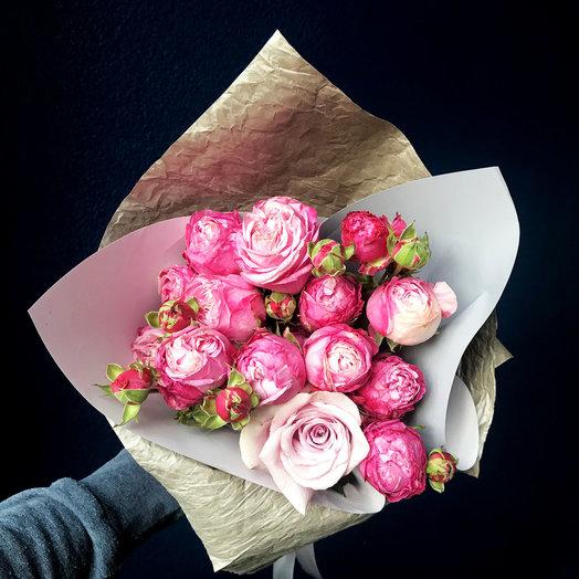 Букетик с розовыми розами: букеты цветов на заказ Flowwow