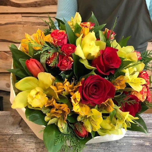 Букет с альстромериями: букеты цветов на заказ Flowwow