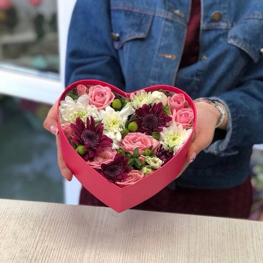 Сердце c цветами: букеты цветов на заказ Flowwow