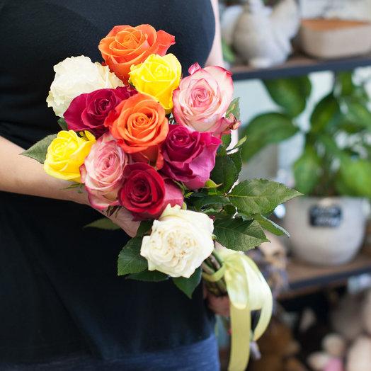 Букет из разноцветных роз (11 роз): букеты цветов на заказ Flowwow