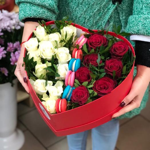 Сердце с розами: букеты цветов на заказ Flowwow