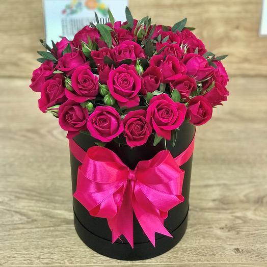 Коробки с цветами. Кустовые розы , 19 шт. N321: букеты цветов на заказ Flowwow