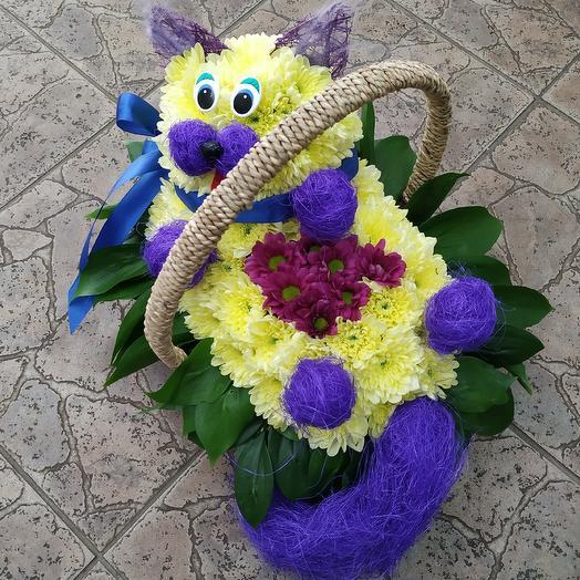 Милый кот 🐈 в корзинке: букеты цветов на заказ Flowwow