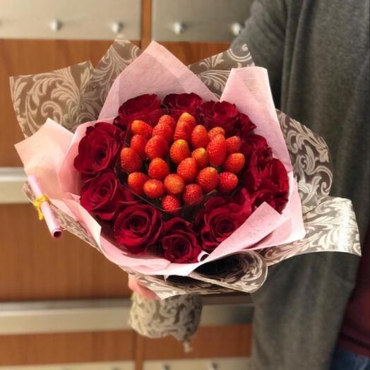 Клубничный бум: букеты цветов на заказ Flowwow