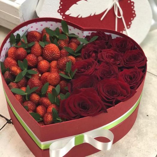 Клубнично-цветочная любовь: букеты цветов на заказ Flowwow