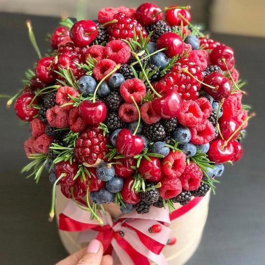 """Коробка с ягодами """"Ягодная коробка"""""""