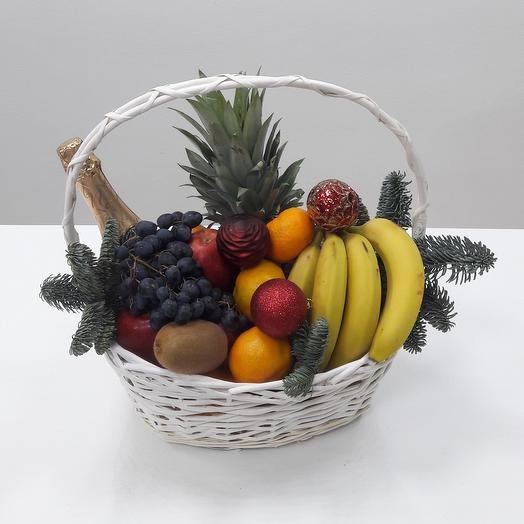 Корзина с фруктами Новогодняя