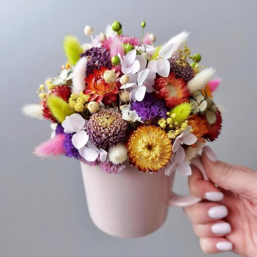 Кружечка с сухоцветами