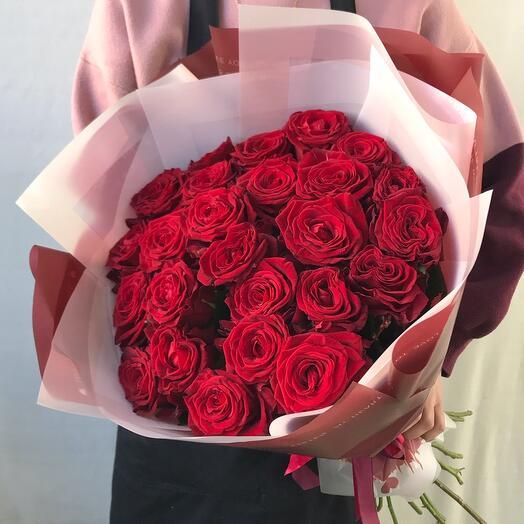 Классика из 25 роз