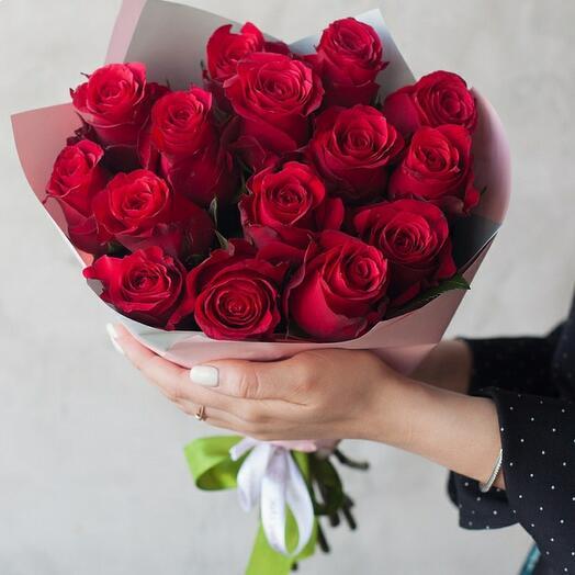Букет 15 красных роз (Кения)