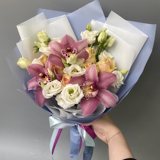 Авторский букет с орхидеями