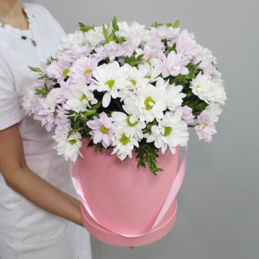 Цветочная коробка с хризантемой