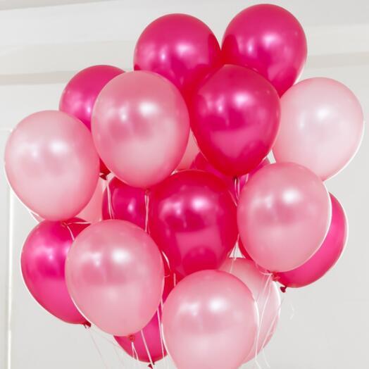 15 красных (розовых) шаров
