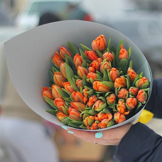 49 пионовидных оранжевых тюльпанов: букеты цветов на заказ Flowwow