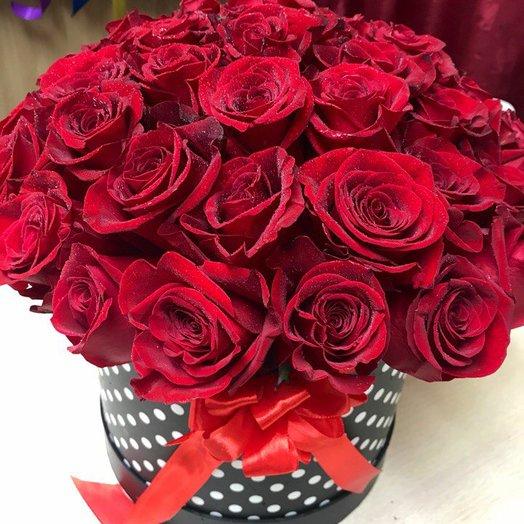 Шарм: 45 роз в шляпной коробке: букеты цветов на заказ Flowwow