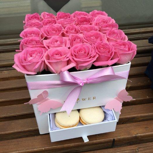 Розы в коробке с сюрпризом: букеты цветов на заказ Flowwow