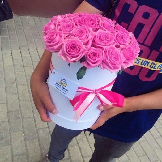 29 розовая роза в шляпной коробке
