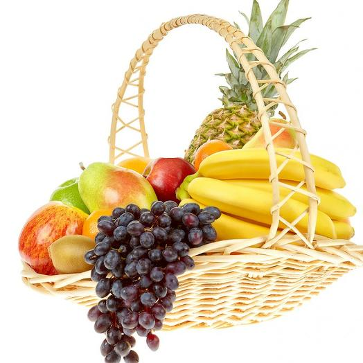 Fruit basket with tangerines and gift