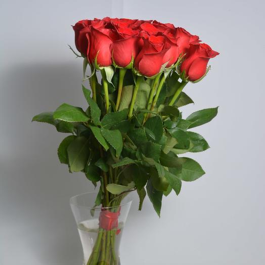 15 красных роз 50 см в букете: букеты цветов на заказ Flowwow