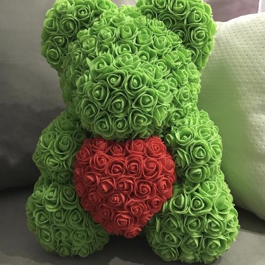 Мишка с сердцем из роз «В День Святого Валентина»: букеты цветов на заказ Flowwow