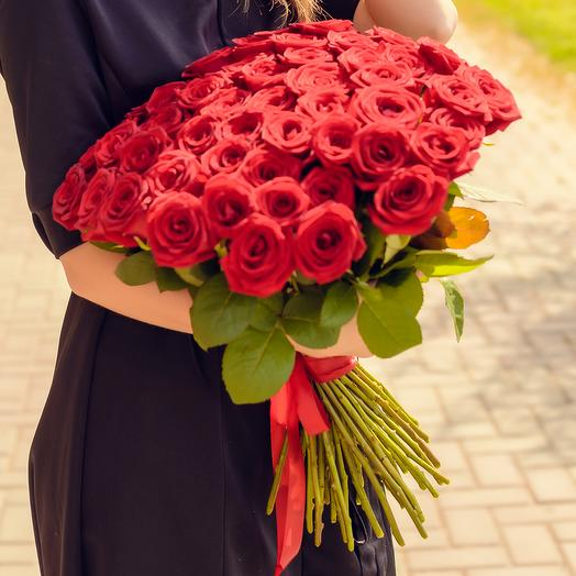 Букет из 51 красной розы (60см): букеты цветов на заказ Flowwow