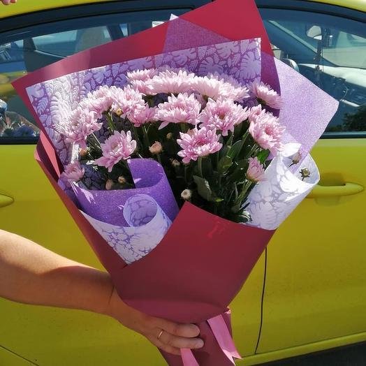 5 хризантем с оформлением: букеты цветов на заказ Flowwow