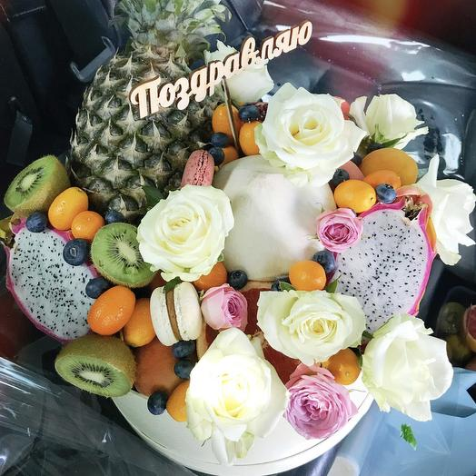 Фруктовая Корзинка «кокос»: букеты цветов на заказ Flowwow