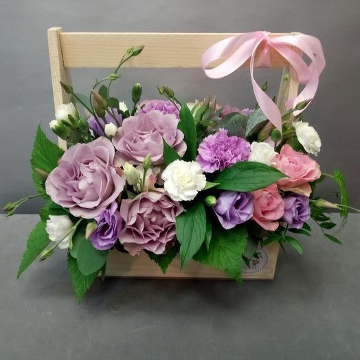 Ящик с сиреневой розой