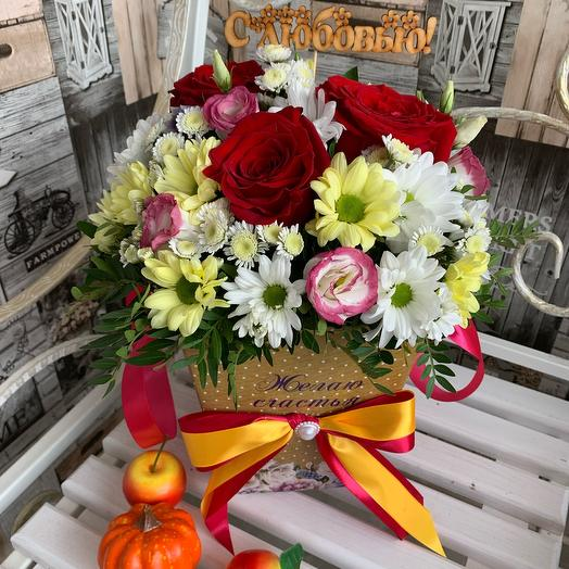 Цветы в коробке для любимой мамы