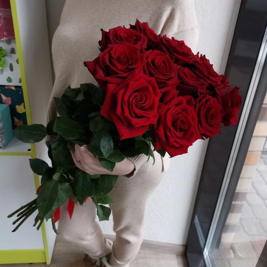 Моно букет из 15 высоких роз