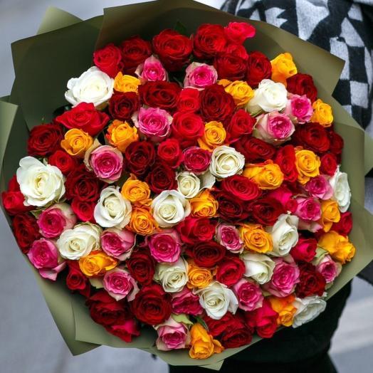 101 роза микс 40 см в стильной упаковке