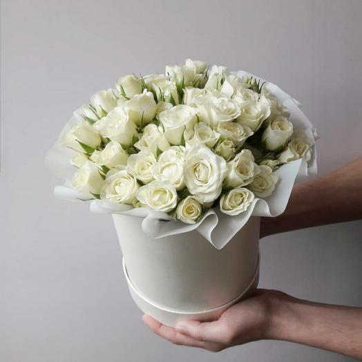 """Коробка""""15 белых кустовых роз"""""""
