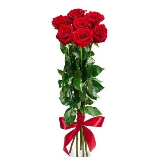 Красные розы на 8 марта
