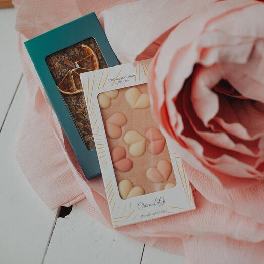 Белый шоколад с сердечками
