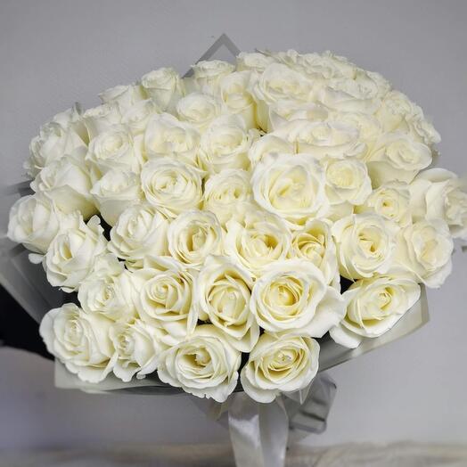 Шикарная окапка белоснежных роз вместо тысячи слов