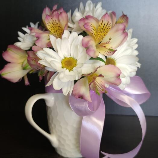 Цветы в кружке