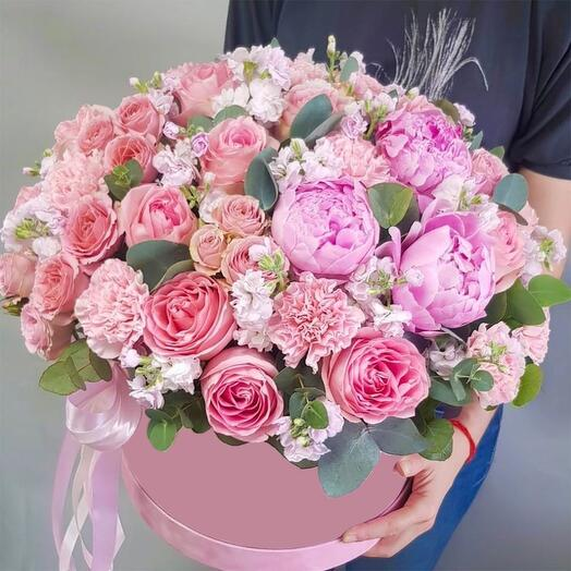 """Цветы в шляпной коробке """"Версаль"""""""
