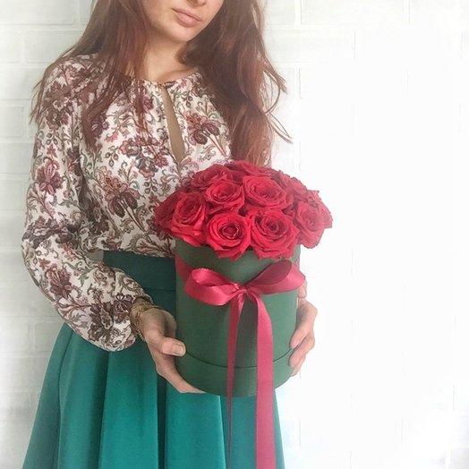 Красные розы в изумрудной коробке: букеты цветов на заказ Flowwow