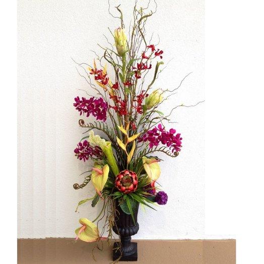 Экзотика в интерьере. Букет в напольной вазе: букеты цветов на заказ Flowwow