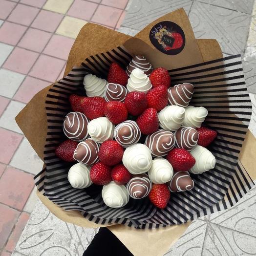 Клубнично-шоколадное счастье: букеты цветов на заказ Flowwow
