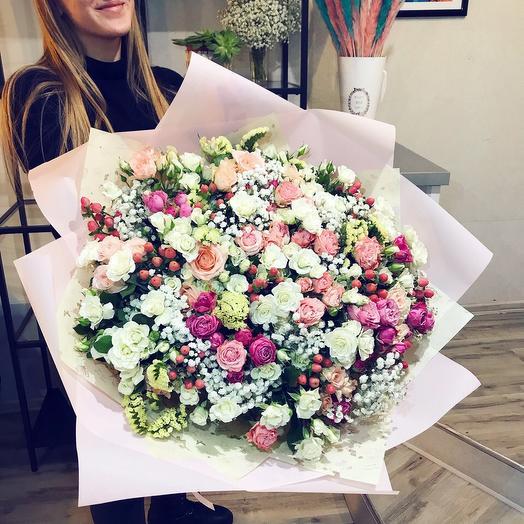 Изобилие оттенков: букеты цветов на заказ Flowwow