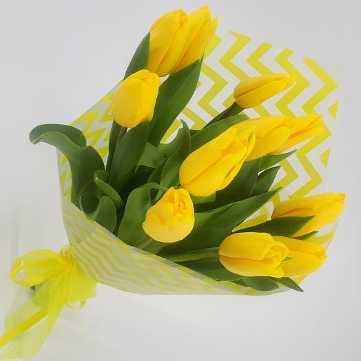 11 желтых тюльпанов