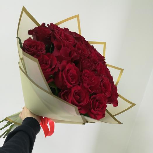 25 крупных роз