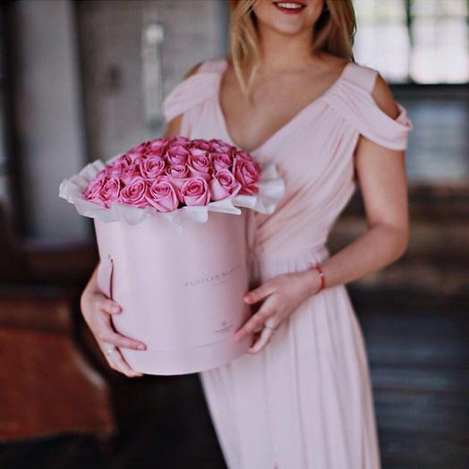 Голландская роза в коробочке: букеты цветов на заказ Flowwow
